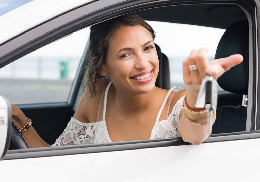 Woman with car keys RF