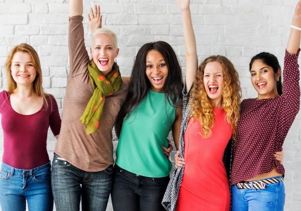 Group of women friends RF